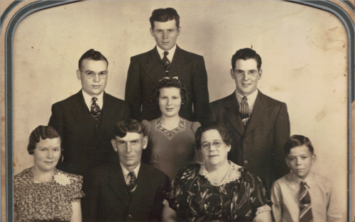 Walter and Flo Walker and Children
